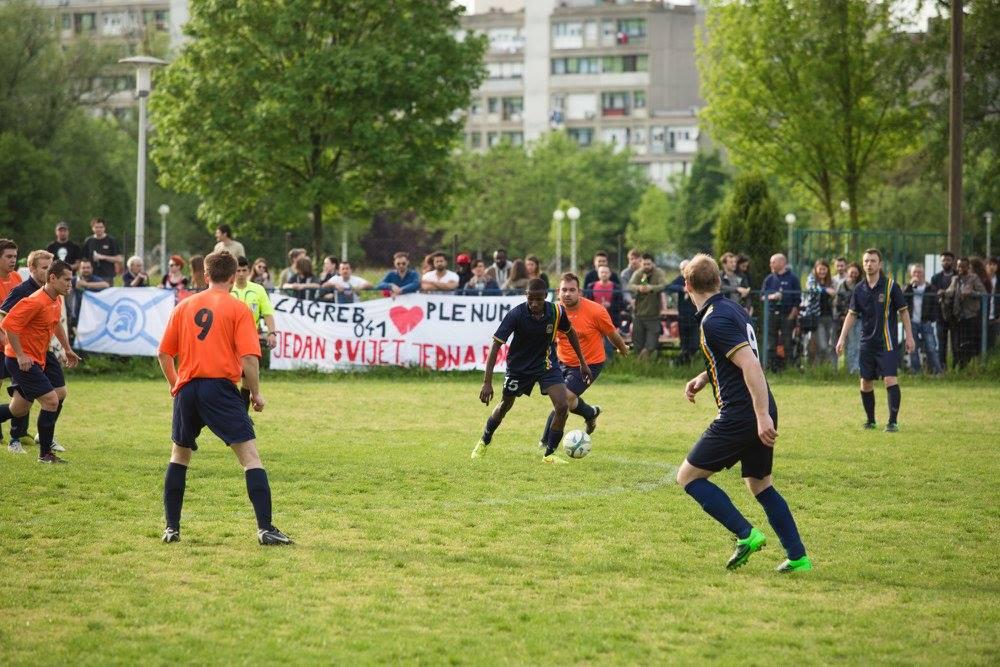 Nogomet, druženje i bliskoistočni specijaliteti